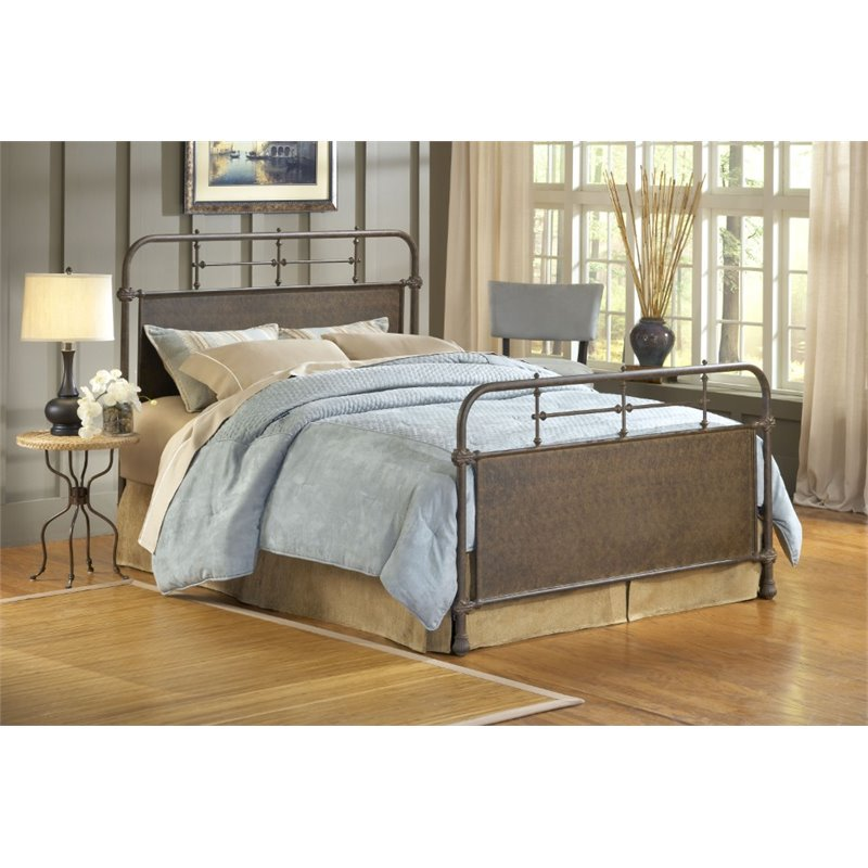 Hillsdale Kensington Full Panel Bed in Old Rust
