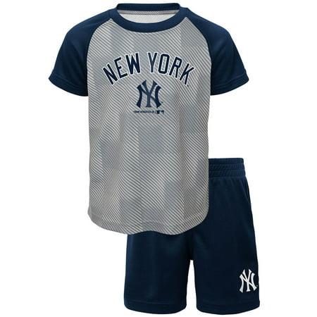 Toddler Navy New York Yankees Team Raglan T-Shirt and Shorts Set ()