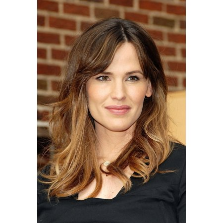 Jennifer Garner At Talk Show Appearance For The Late Show With David Letterman Rolled Canvas Art     8 X 10