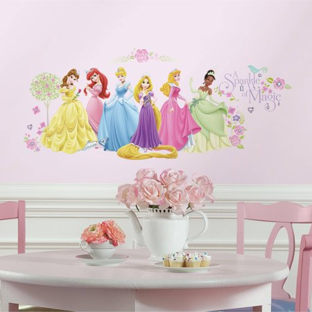 roommates disney princess glow within princess wall decals. Black Bedroom Furniture Sets. Home Design Ideas