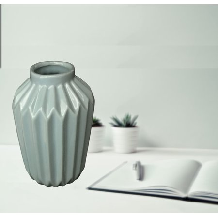 Creative Motion Ceramic Flower Vase in Blue Product Size: 4x4x6 ()