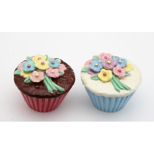 Cosmos Gifts Flower Cupcake Salt and Pepper Set