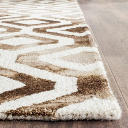 "Safavieh Dip Dye 2'3"" X 6' Hand Tufted Rug in Ivory and Chocolate - image 8 de 10"