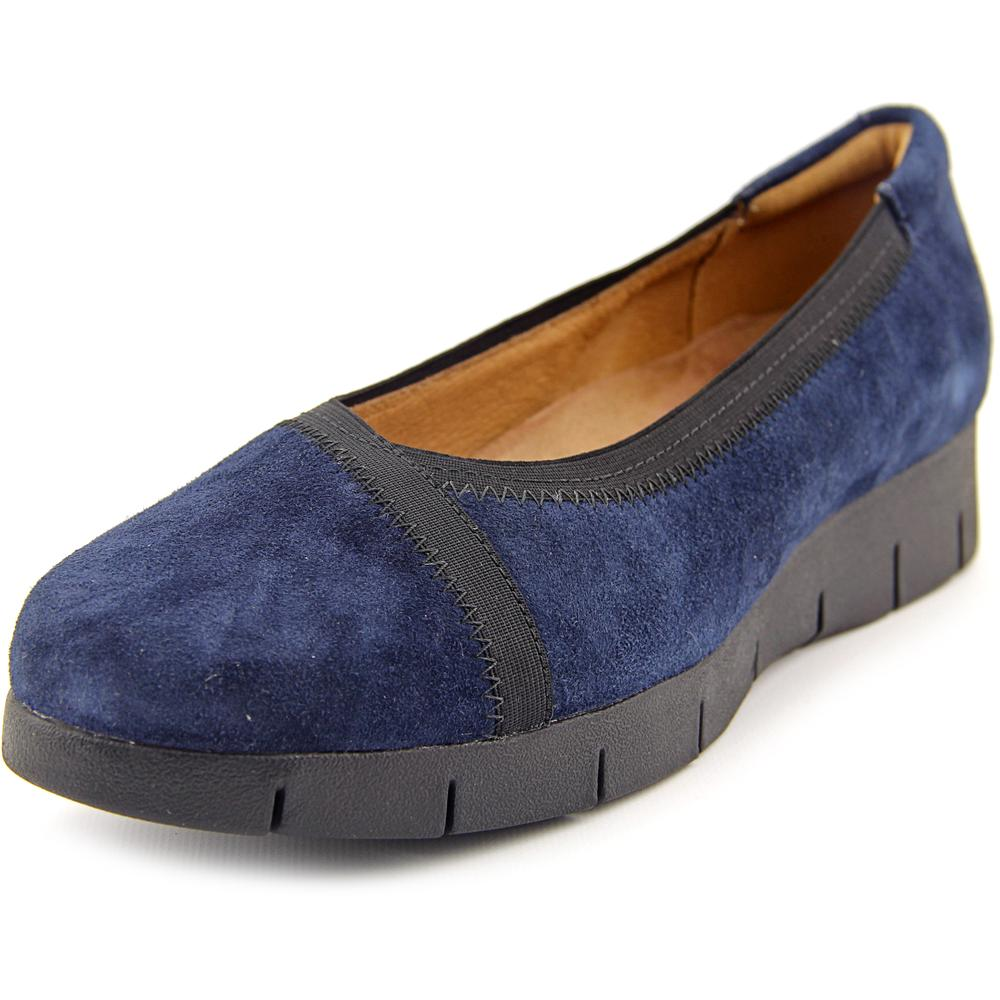 Clarks Daelyn Hill (Navy Suede) Women's Shoes