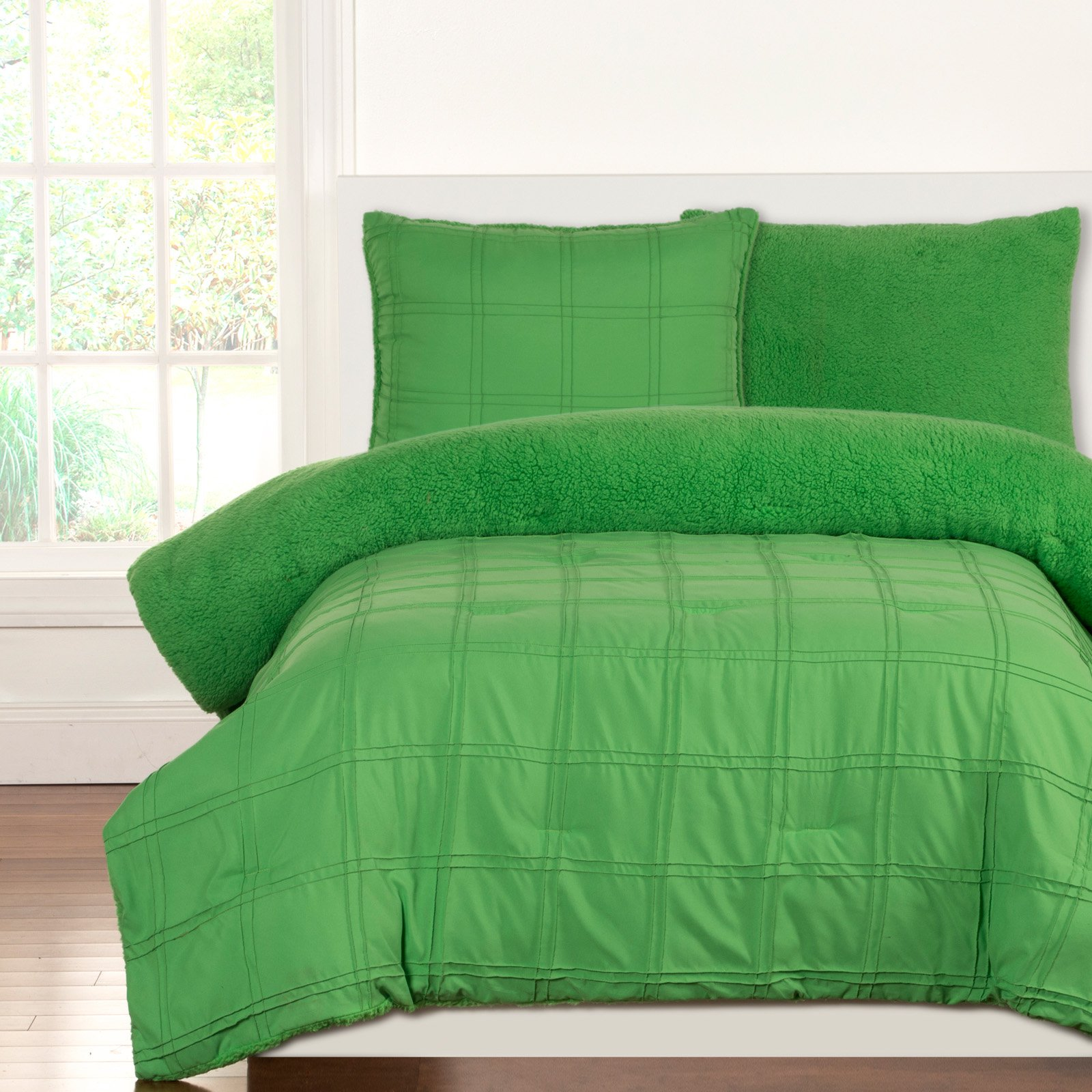 Crayola Playful Plush Jungle GreenFull/Queen Comforter Set