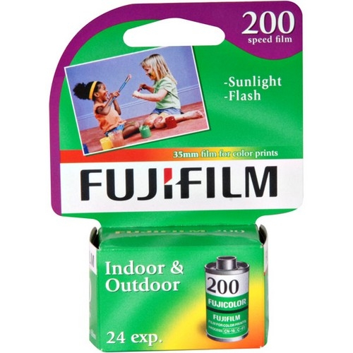 Fujifilm Superia 200 35mm Color Film Roll - ISO 200