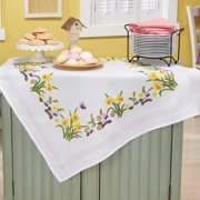 Herrschners  Daffodils   Butterflies Table Topper Stamped Embroidery Kit