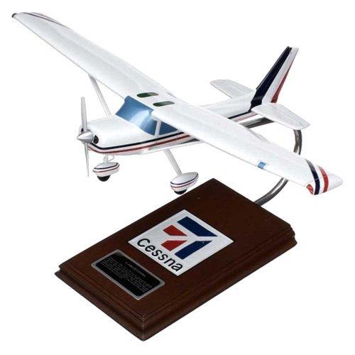 Mastercraft Collection Cessna Model C-150/152 model Scale: 1/24