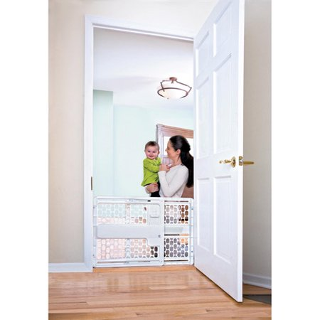 Evenflo Safety Lock Baby Gate  27  42  With Wall Protectors