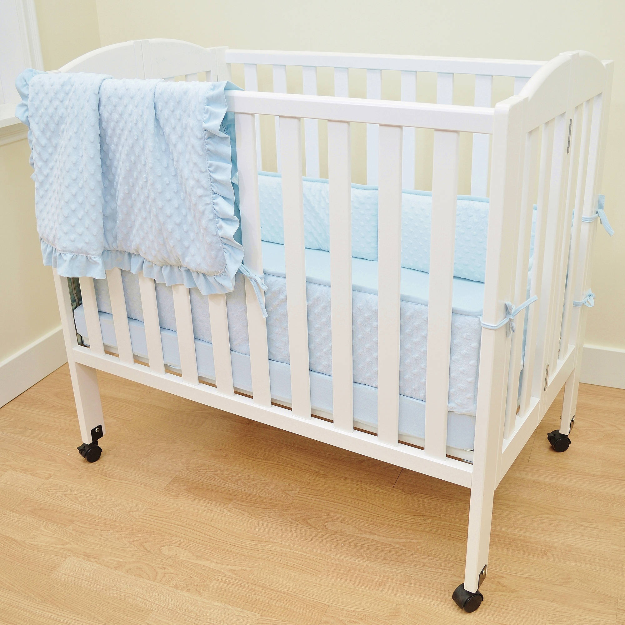 American Baby Company Heavenly Soft Minky Dot 3-Piece Mini Crib Bedding Set, Blue