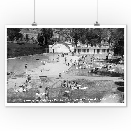 Glenwood Springs, Colorado - Swimming Pool and Beach Photograph (9x12 Art Print, Wall Decor Travel Poster)