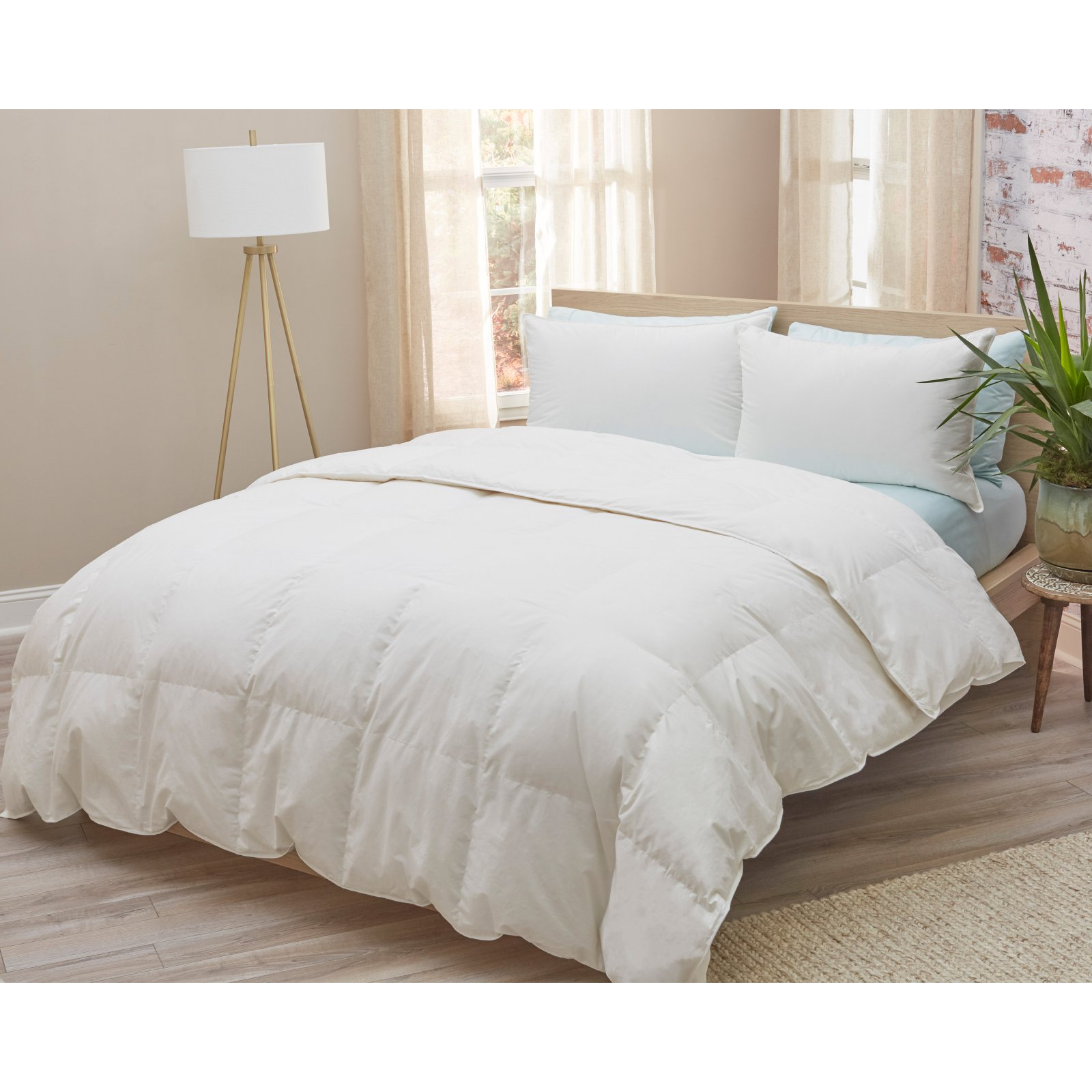 Amberly Bedding White Down Comforter - Summer Weight Full/Queen