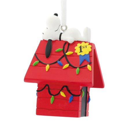 Hallmark Peanuts Snoopy on Decorated Dog House Christmas Ornament ()