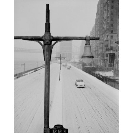 USA New York State New York City snow covered East River Drive from vicinity of 50th Street Canvas Art -  (24 x (151 East 50th Street New York Ny 10022)