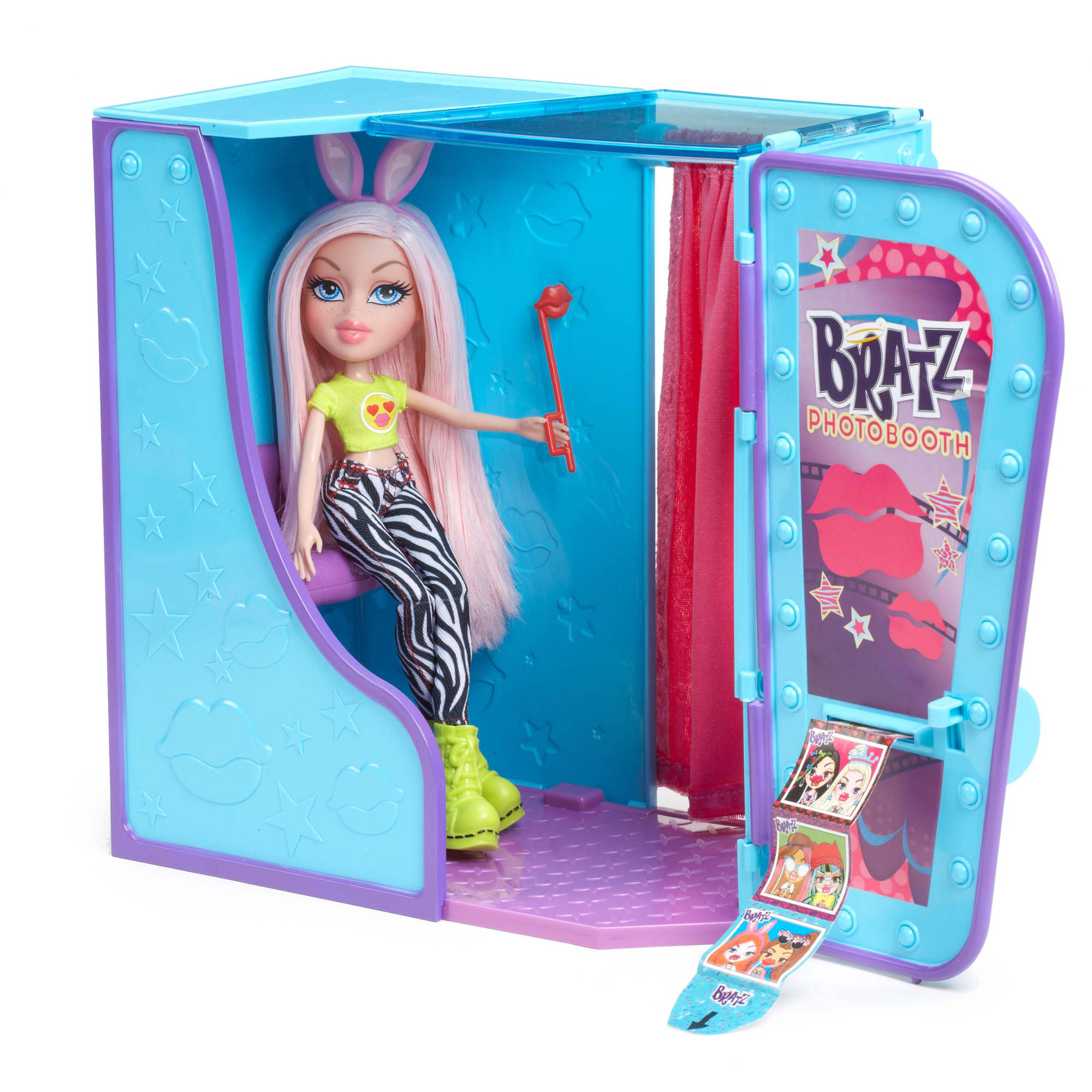 Bratz #SelfieSnaps Photobooth with Doll