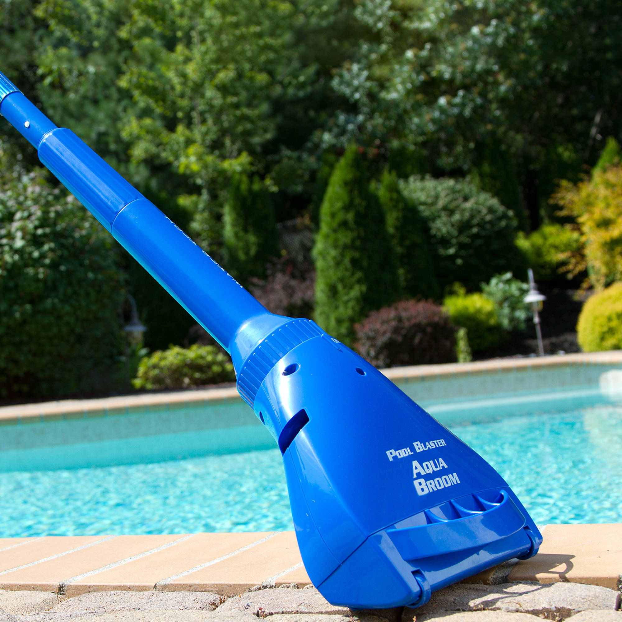 Water Tech Aqua Broom Battery Operated Swimming Pool and Spa Hot Tub Cleaner