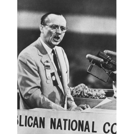 Sen William Knowland Nominates Gov Earle Warren For President At Gop Convention Chicago - Chicago Halloween Convention