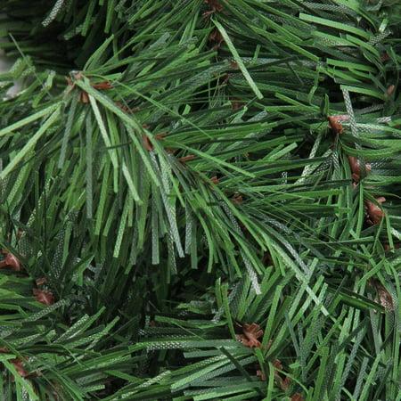 """24"""" Canadian Pine Artificial Christmas Wreath - Unlit - image 1 de 2"""
