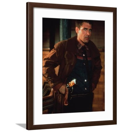 BLADE RUNNER, 1981 directed by RIDLEY SCOTT Harrison Ford (photo) Framed Print Wall Art