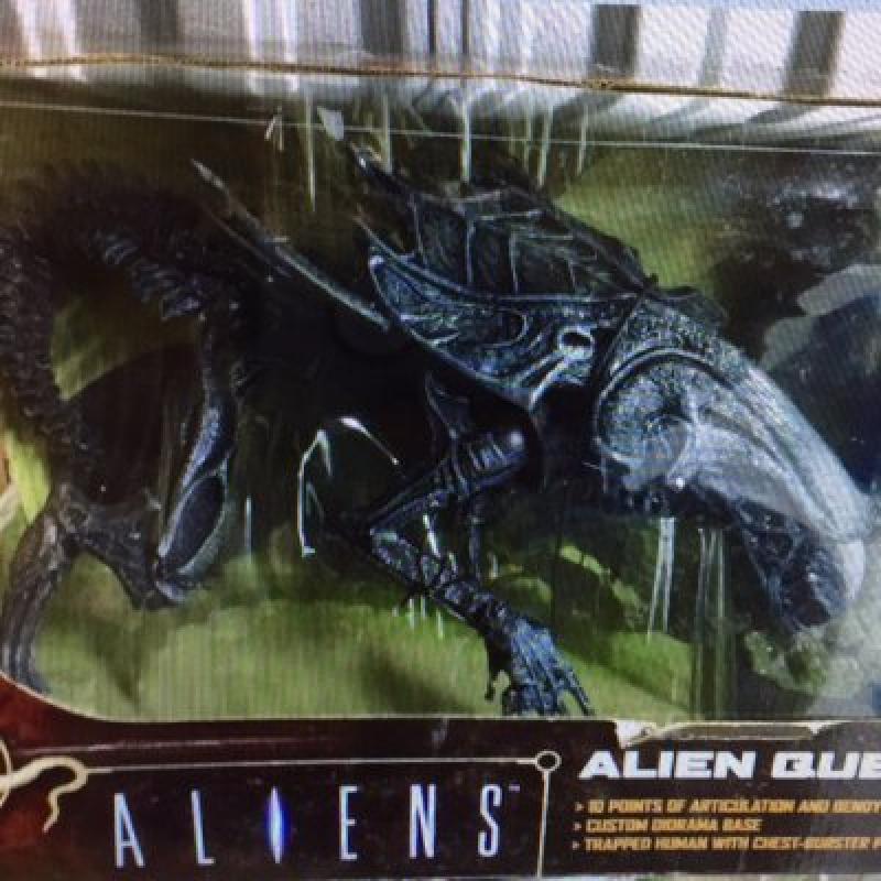 McFarlane Toys Movie Maniacs Series (MM4) Aliens Alien Queen Box Set by