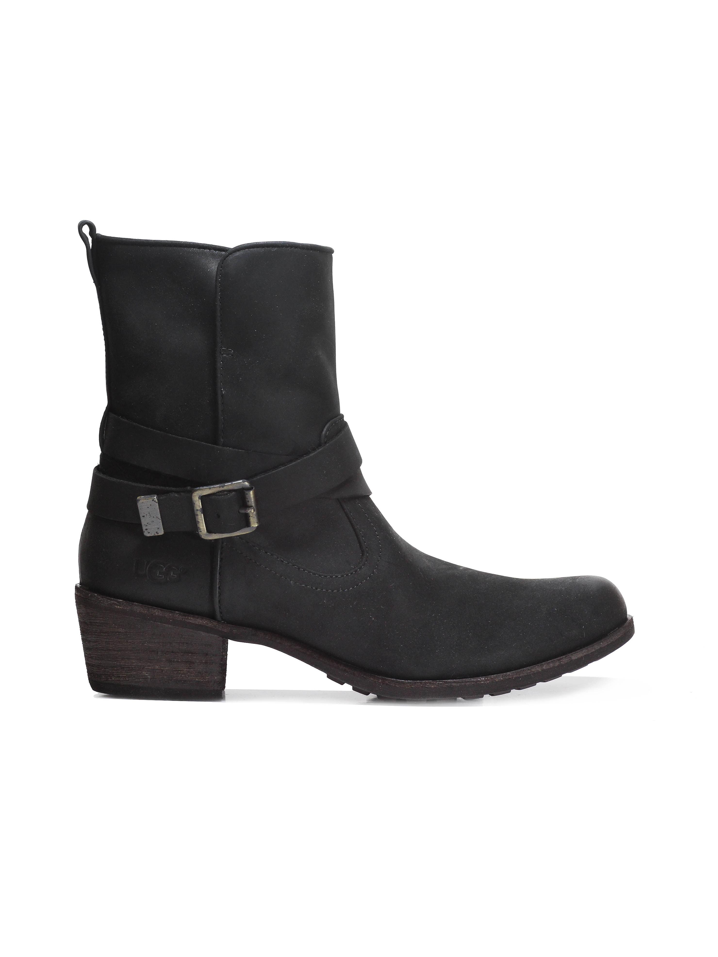 6a2bfc9ce51 UGG Women's Lorraine Boot Black - 5