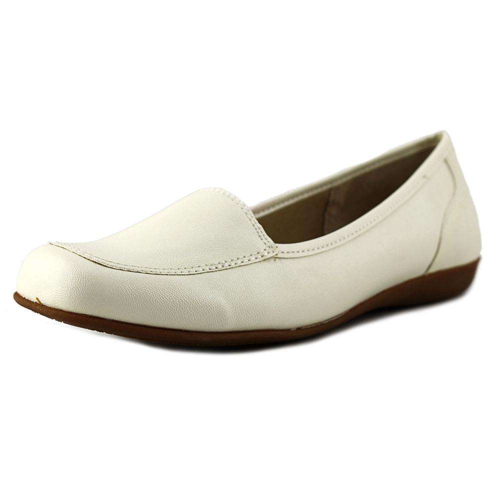 Trotters Fantasy Women Moc Toe Synthetic White Loafer by Trotters