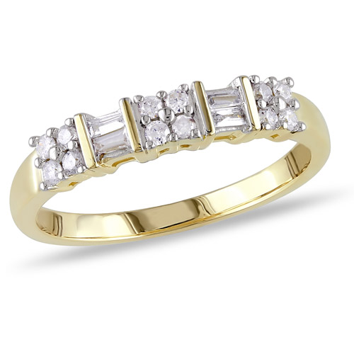 Miabella 1/4 Carat T.W. Round and Baguette Diamond Ring in 10kt Yellow Gold