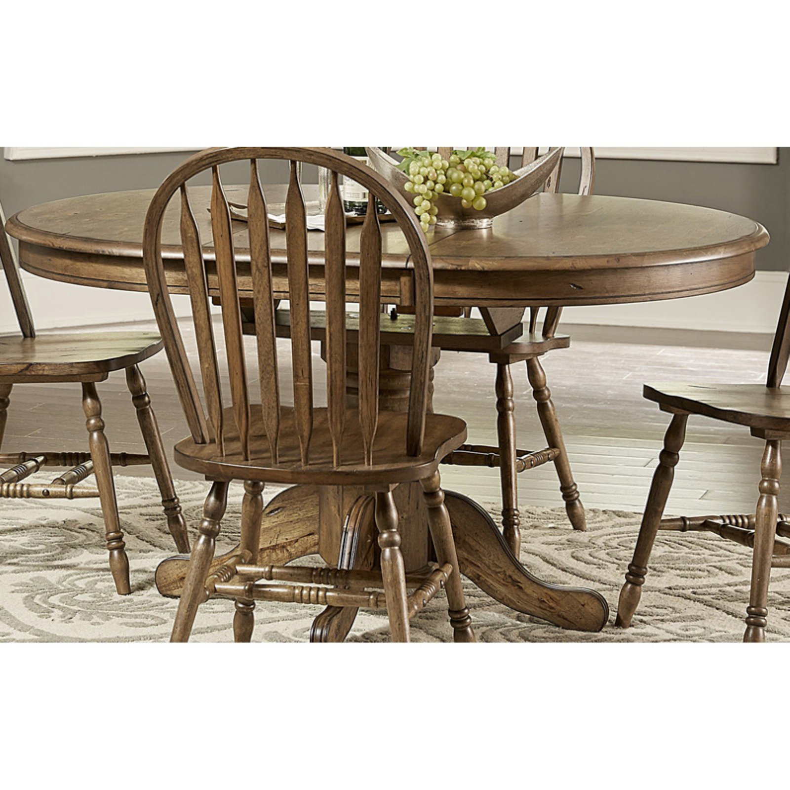 Liberty Furniture Industries Carolina Crossing Pedestal Extension Dining Table