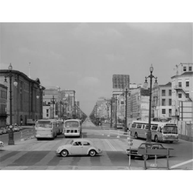 Posterazzi SAL255424850 USA Louisiana New Orleans Canal Street New Bus System Poster Print - 18 x 24 in. - image 1 de 1