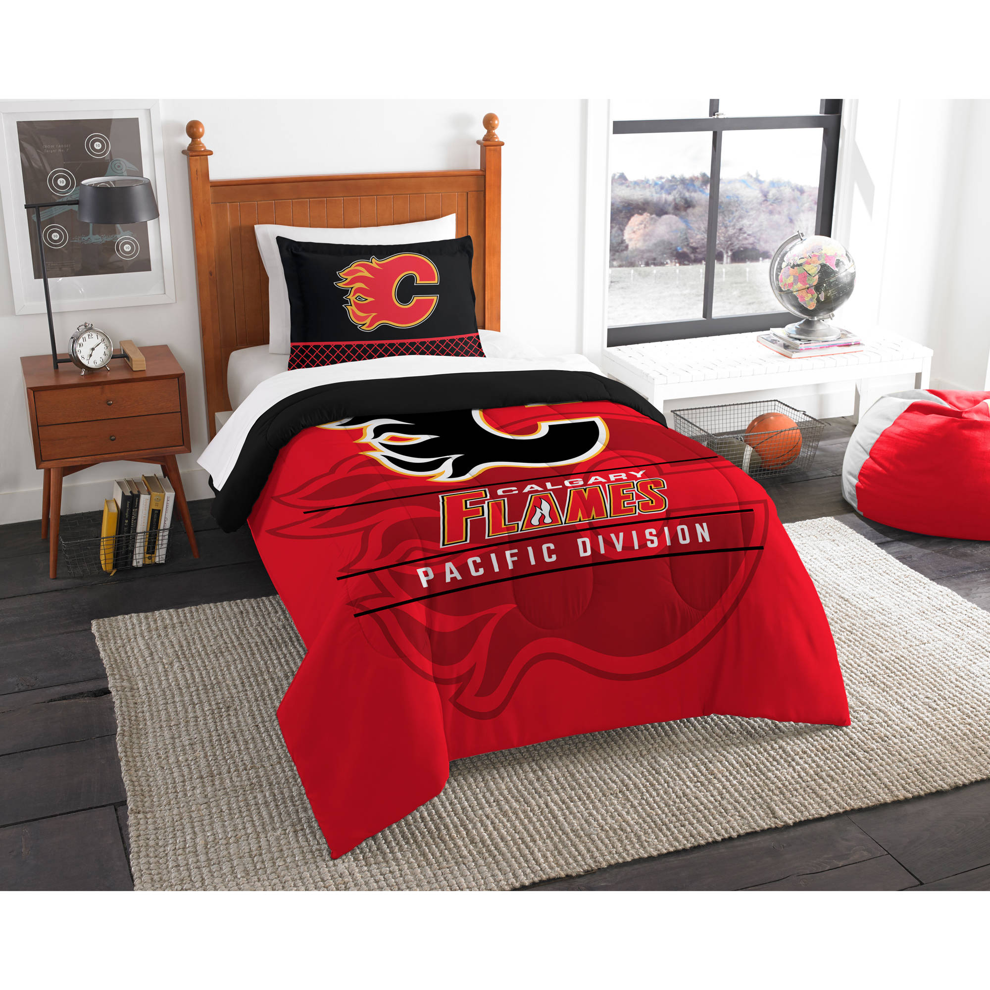 "NHL Calgary Flames ""Draft"" Bedding Comforter Set"