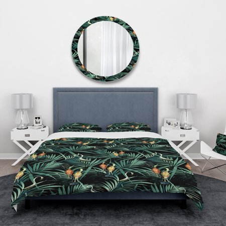 Tropical Yellow Birds On Black Background With Green Jungle Leaves' Abstract Bedding Set - Duvet Cover & Shams (Green Iridium Sonnenbrille)