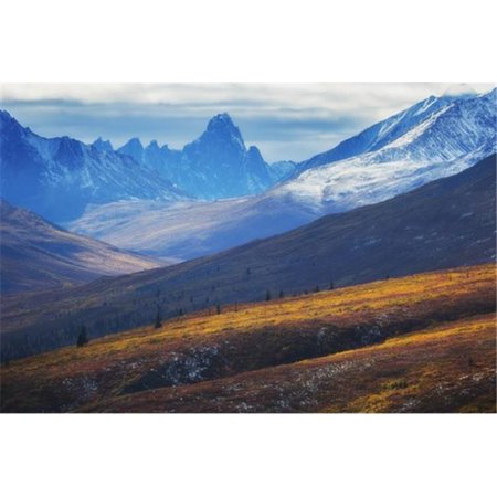 Posterazzi DPI12287330 The North Klondike Valley Lights Up Along The Dempster Highway with Tombstone Poster Print by Robert Postma, 19 x 12 - image 1 de 1