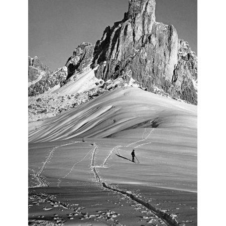 Skiing Near Cortina D'Ampezzo, 1920s Print Wall Art By Scherl Süddeutsche Zeitung