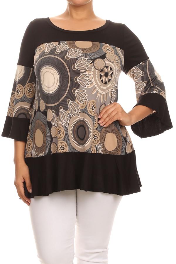 Women's PLUS trendy style  3/4 sleeves print top.