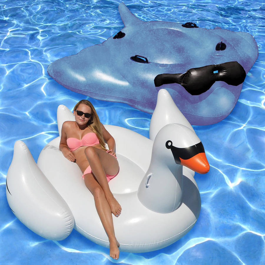 Giant Stingray and White Swan, 2-Pack