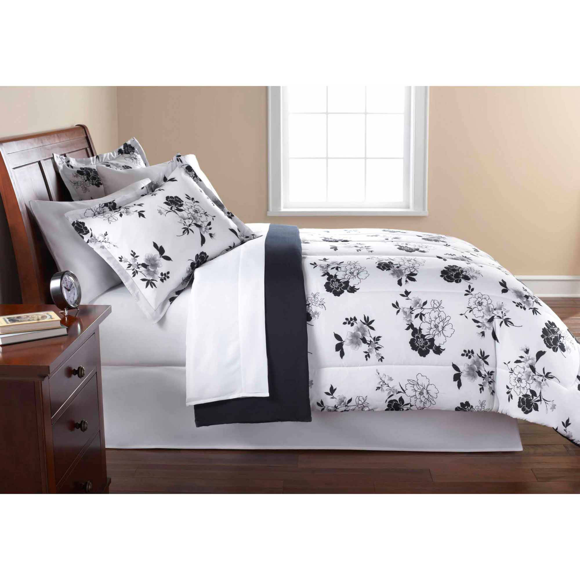 Mainstays Black and White Floral Bed-in-a-Bag Comforter Set