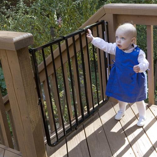 Cardinal Gates Stairway Special Outdoor Child Safety Gate Walmart Com