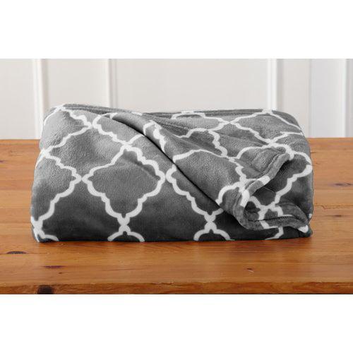Winston Porter Carlucci Ultra Velvet Plush Oversize Throw Blanket with Lattice Scroll Design