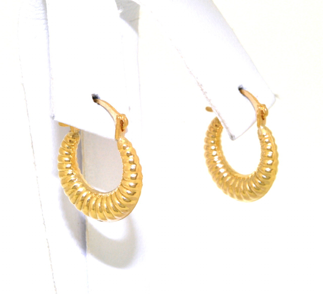 Shin Brothers Jewelers Inc 14k Yellow Gold Shrimp Hoop Earrings