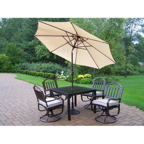 Red Barrel Studio Lisabeth Traditional Dining Set with Cushions and Umbrella