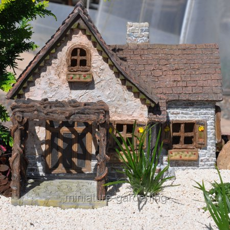 Wholesale Fairy Gardens Ladybug House for Miniature Garden, Fairy Garden