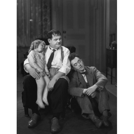 Oliver Hardy, Stan Laurel, Jacquie Lyn, Pack Up Your Troubles, 1932 Print Wall Art](Laurel Hardy Halloween)
