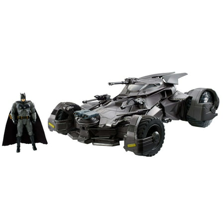 DC Justice League Ultimate Batmobile Vehicle with 6-Inch Figure ()