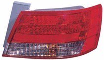 Genuine Hyundai Parts 92402-0A001 Passenger Side Taillight Assembly Outer
