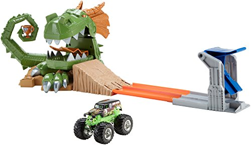 Hot Wheels Monster Jam Dragon Arena Attack Playset by Mattel