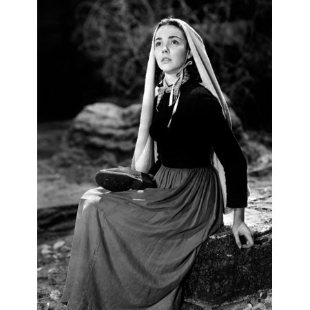 The Song Of Bernadette Jennifer Jones 1943 Tm And Copyright  20Th Century Fox Film Corp All Rights Reserved Courtesy Everett Collection Photo Print - Halloween Film Rights