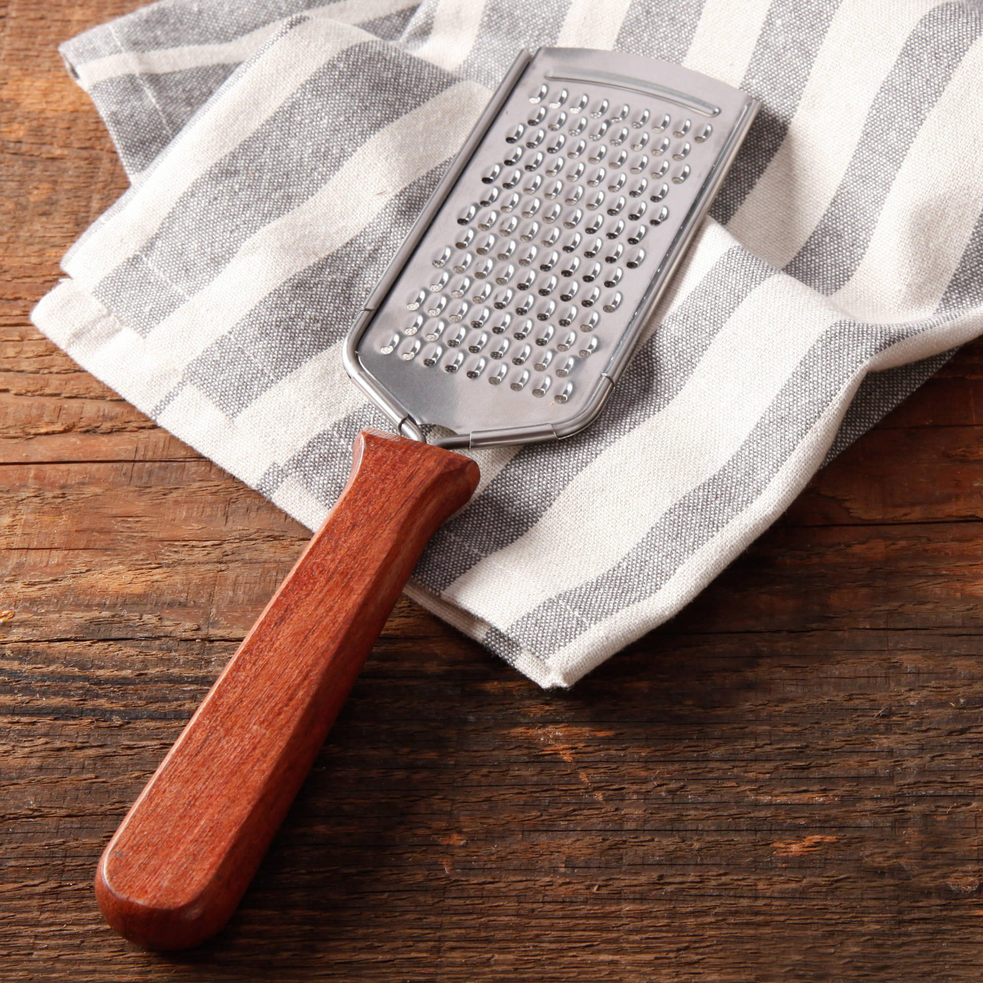 The Pioneer Woman Cowboy Rustic Rosewood Handle Grater