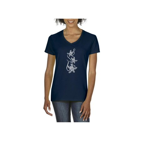 Hawaiian Sea Turtle in Maui Kauai Oahu Women's V-Neck T-Shirt Tee Clothes](Hawaiian Themed Clothes)