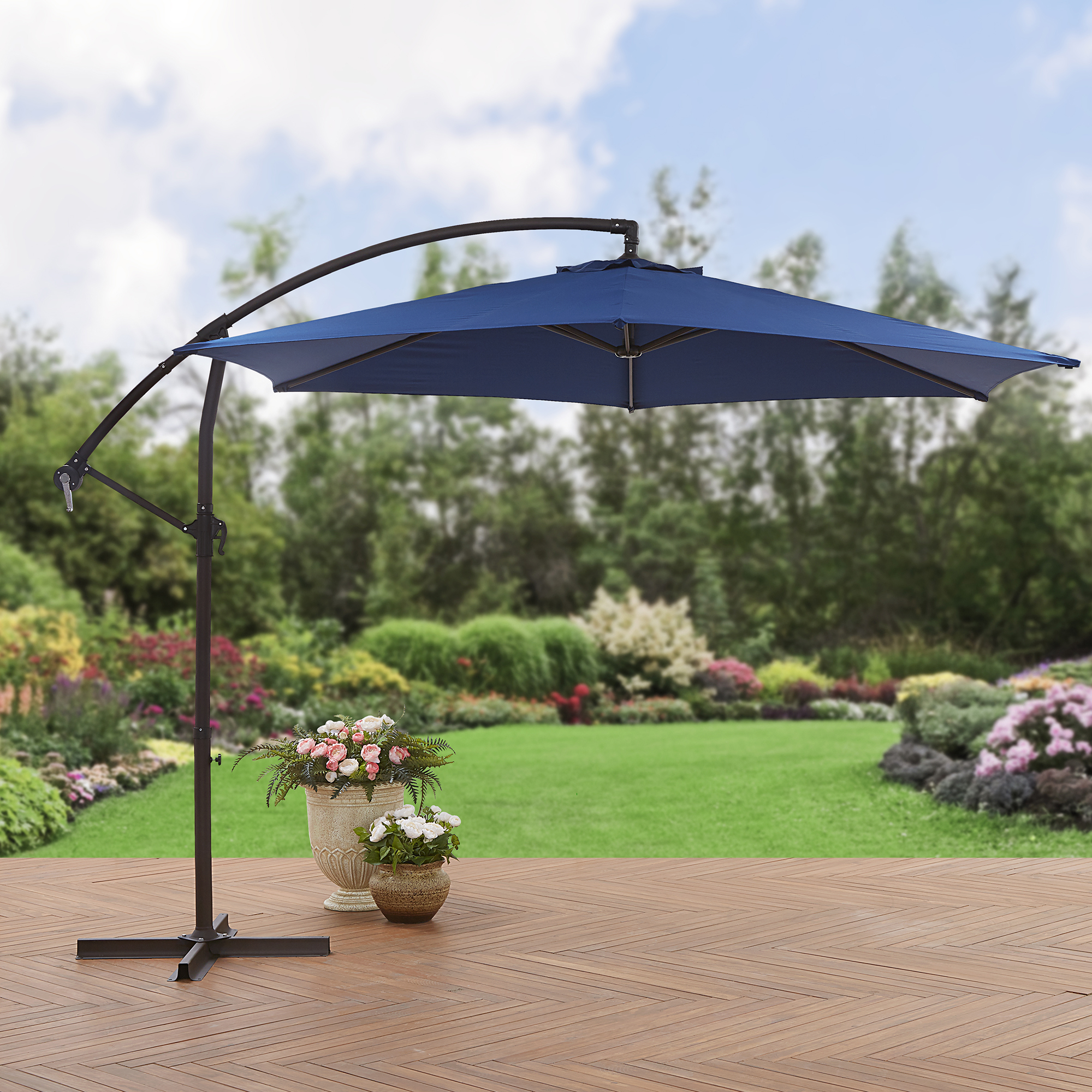 Mainstays 10' Steel Offset Patio Umbrella, Navy by NINGBO EVERLUCK OUTDOOR PRODUCTS MANUFACTING CO LTD