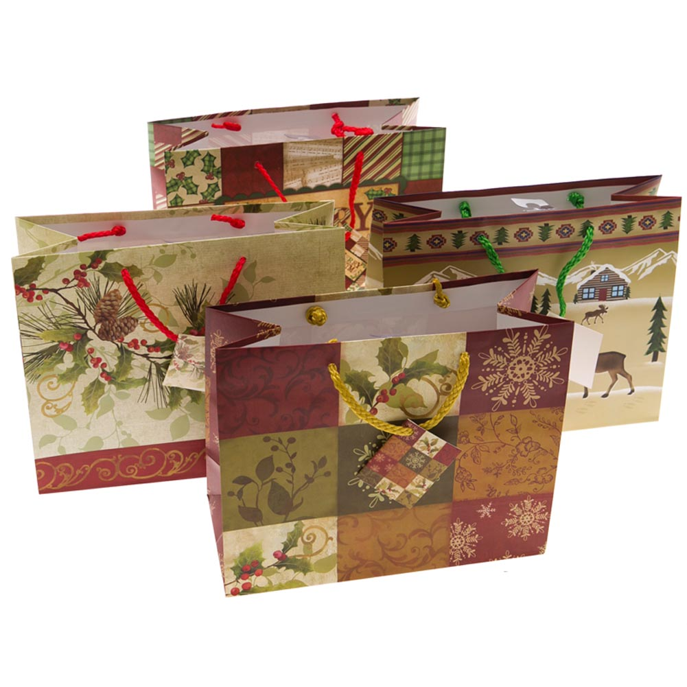 Medium Christmas Pine and Berries Gift Bags